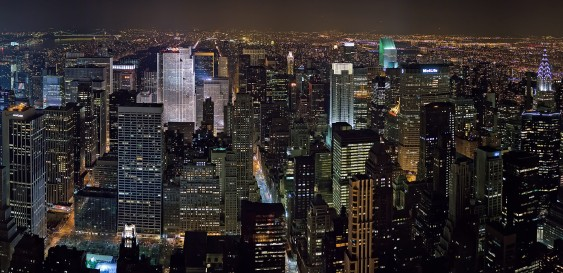 New_York_Midtown_Skyline_at_night_-_Jan_2006_edit1